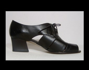Bandolino black leather cut out shoes ~ 5.5 ~ lace up oxfords with peeptoes ~ Made in Italy ~ high heels ~ Italian
