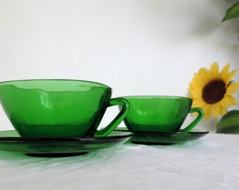 Vereco large square, green glass, coffee cups, cafe au lait cups, tea cups, set of 2