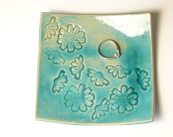 small jewelry dish, square small ceramic jewelry plate with pattern, gift idea for her, flowers pattern, keys holder, housewarming gift