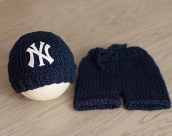 NY Yankees Baby Outfit, Newborn Yankees Beanie, Knit NY Yankees Baby Boy Hat, Great Photography Prop