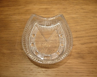 Vintage pressed glass horse shoe pin dish