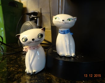 Holt Howard Cozy Cats salt and pepper shakers