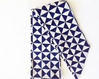 Vintage Geometric Print Head Neck Scarf Navy and White Scarves