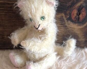 Miniature Collector Bear Miss Kitty