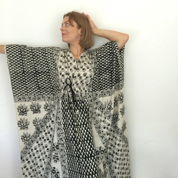 Indian cotton dress made in Indian kaftan long maxi dress ecru and black calico cotton block printed boho beach hippy 1970s