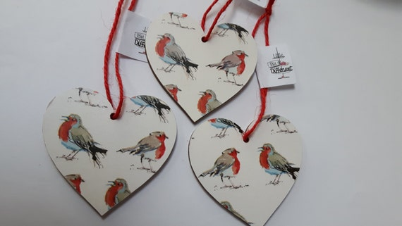 Christmas hanging heart featuring cheeky Christmas robins. 6.5cm