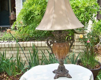 Old World Style Table Lamp