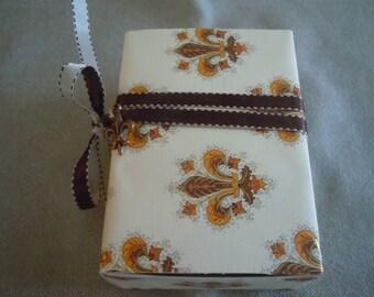 Fleur de Lys Message Box / Surprise Inside!
