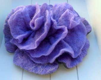 Felt Brooch lilac