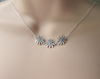 Daisy Chain Necklace, Silver Daisy Necklace, Bridesmaid Gift, British Seller UK, Gifts for Girls, Bridesmaid Necklace, Flower Necklace