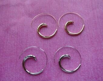 Tusk metal wire thread earrings