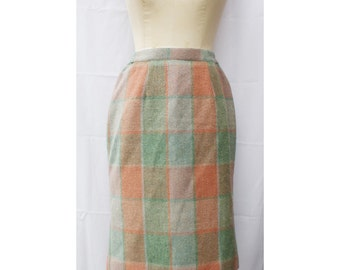 1970s Dreamy Plaid Pencil Skirt