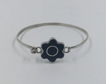 Mexican Silver and Onyx Flower Bracelet.