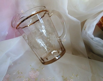 Vintage 1950s Etched Grape Leaf Vine 28 oz Pitcher, Juice, Water, Gold Accents