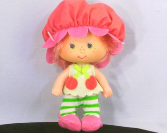 Vintage Strawberry Shortcake Doll Cherry Cuddler Baby Girl Kenner 1980s Kids Toys American Greetings Hat Attached