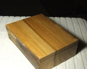 A very useful trinket/jewellery/desk tidy box cut from a nice piece of Scottish Elm.