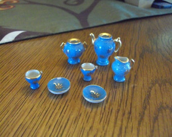 Vintage Dollhouse Tea/Coffe Miniatures