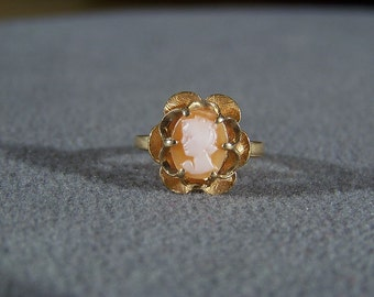 Vintage 10 K Yellow Gold Oval Fancy Carved Female Figural Cameo Band  Ring 6   **RL