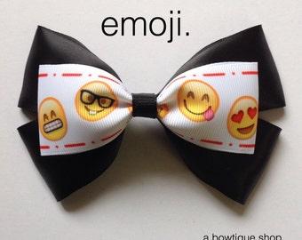 emoji hair bow