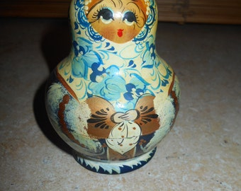 Vintage Russian Nesting Doll (10 pc)