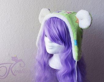 plushy hat with teddy ears (green)