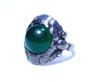 Georg Jensen Sterling Silver Ring set with Green Chrysoprase/Prase/Agate Antique Ring Georg Jensen 11A Danish Art Nouveau