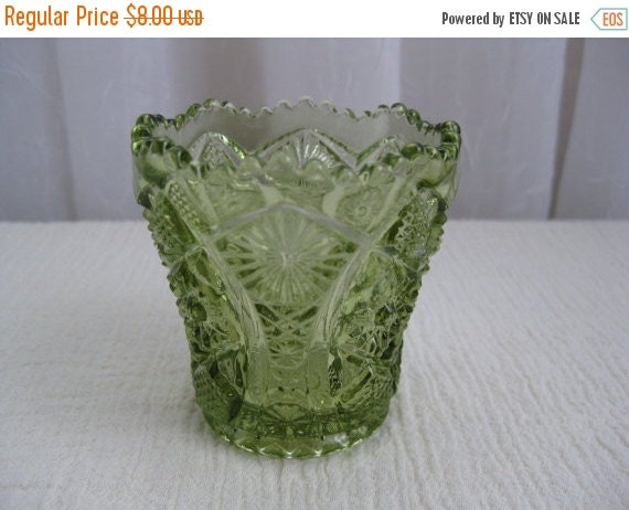 Summer sale 20 off vintage mid century daisy and by - Toothpick holder for purse ...