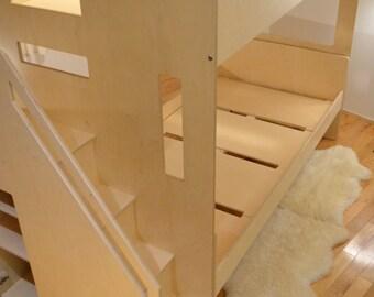 Loft bed (twin)