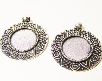 D-00316 - 2 Setting Cabochon ant. Silver, tray 18mm