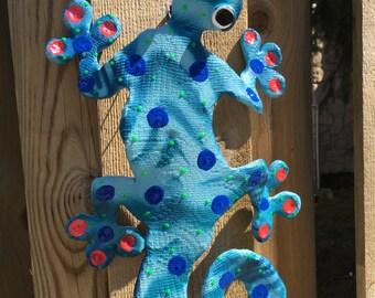 Whimsical Gecko/Outdoor & Gardening/Garden Decoration/Yard Art,Wall Lizard, Chameleon/Gecko Sculpture