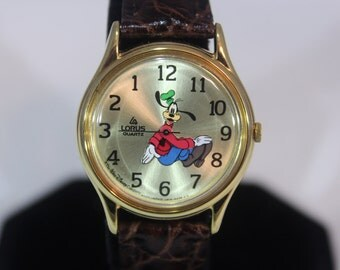 Vintage Lorus by Seiko Walt Disney BACKWARDS GOOFY Quartz Watch