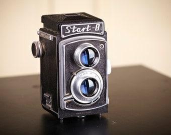 TLR Film Camera START B. 120mm film Camera.Rare camera.With Original Case. Working.