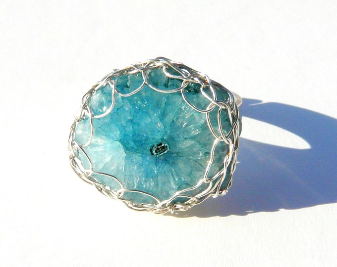 Quartz ring / raw quartz ring / Blue druzy ring / Geode ring / wire crochet ring / boho bohemian ring  / rough Quartz ring. April Birthstone