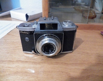 Vintage Graphlex Century 35 A camera 35 millimeter camera