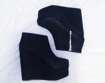 "BLACK VELVET FLATFORMS - approx 6"" height, size 8"