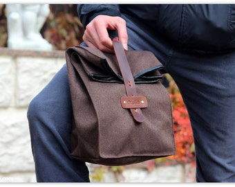 Personalized Mens Gift  / Waterproof Lunch Bag / Brown Lunch Tote / Lunch Bag Men / Gift  for Him / FREE PERSONALIZATION