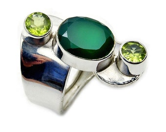 Green Onyx, Peridot & .925 Sterling Silver Ring Size 6.5 , Z338