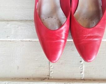 Vintage Crimson Kitten Heels