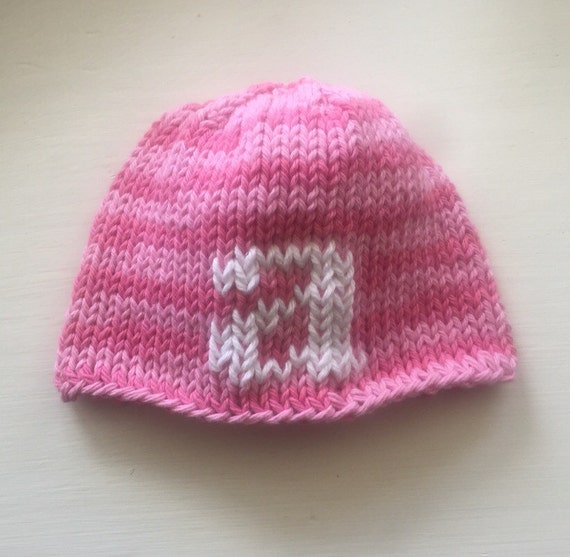 Hand-knit Infant letter hat in 100% cotton - Pink