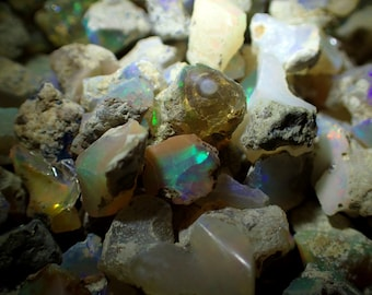Opal raw stones from Welo, Ethiopia - 5-20mm / appx. 15-20 stones per 10gm scoop - rough natural fire opals stone