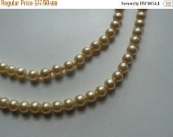 ON SALE Vintage Faux Pearl Necklace