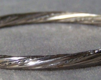 Vintage sterling silver bold twisted bangle bracelet W    **RL