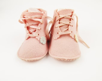 Lovely Pair of Pink Felt Baby Shoes - 100% Wool - Size 1 - Satin Ribbon Shoe Laces - Small Flower Detailing - Wearable