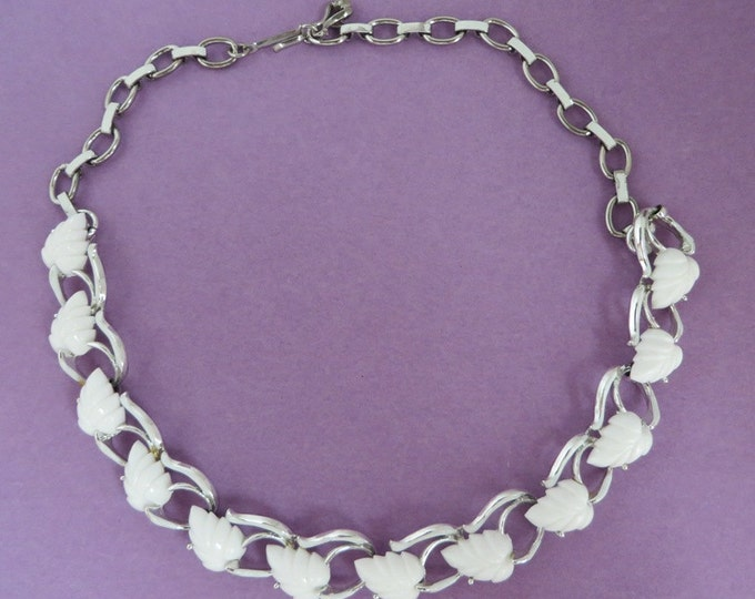 White Leaf Necklace, Vintage Silvertone Choker, Summer Necklace, Free Shipping