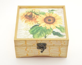 Wooden jewelry box, decoupage box, shabby chic box, sunflower decoration, home decoration, art box, handmade, floral box, sunflower box