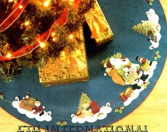 "Bucilla Woodland Santa ~ 43"" Felt Christmas Tree Skirt Kit #85115 European Style DIY"