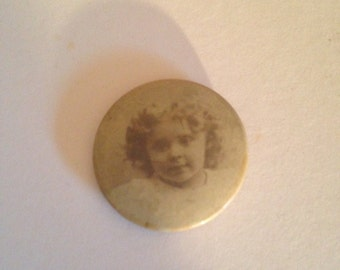 Antique Sentimental Photo Pin