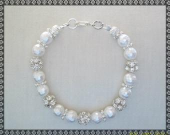 white bracelet, pearl bracelet, shell bracelet, rhinestone bracelet, pearl bracelet