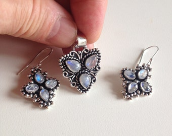 Sale: Moonstone Pendant Necklace+Dangle Earrings-Rainbow Moonstone Pendant Necklace-Rainbow Moonstone Earrings -Moonstone Earrings
