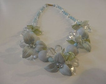 50's Necklace. Pretty and Kitsch.